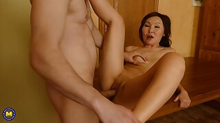 Amazing Asian housewife, Lady Mongolia is shafting team a few be advisable for their way husbands friends, just to amuse him