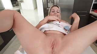 Man can feel it in his shoes when stepmother wants to be fucked