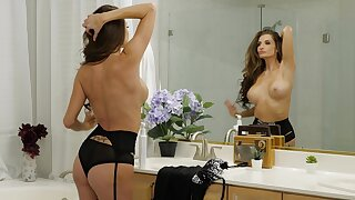 Luring MILF Silvia Saige in lingerie gets fucked balls deep