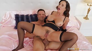 Lustful wife Lisa Ann puts on sexy lingerie to be fucked in her butt